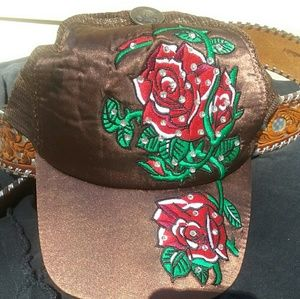 Accessories - 2 hats and a buckle